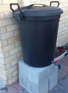 Plastic bin water saving tips