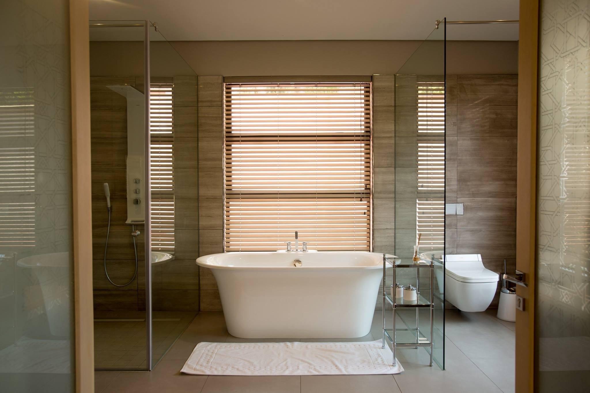 Bathrooms - Metal Window Servicing CCMetal Window Servicing CC
